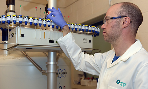An EPP chemist works in the NMR laboratory